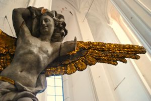 1149976_cathedral_angels